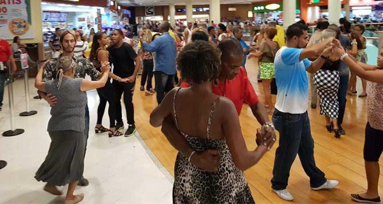 Baile Caxias Shopping