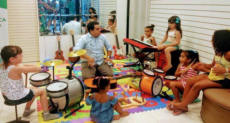 Pequenos músicos